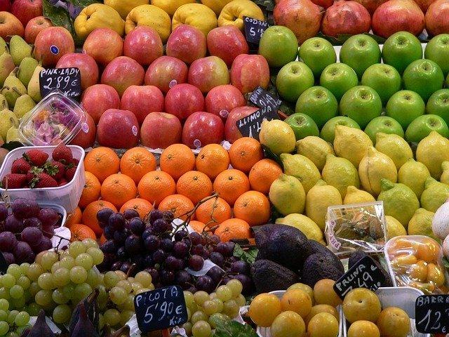 Frutta e verdura mercato Orientale Genova
