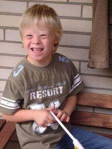 512px-Boy_with_Down_Syndrome