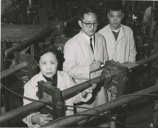 1109px-left_to_right_chien-shiung_wu_1912-1997_y-k-_lee_and_l-w-_mo
