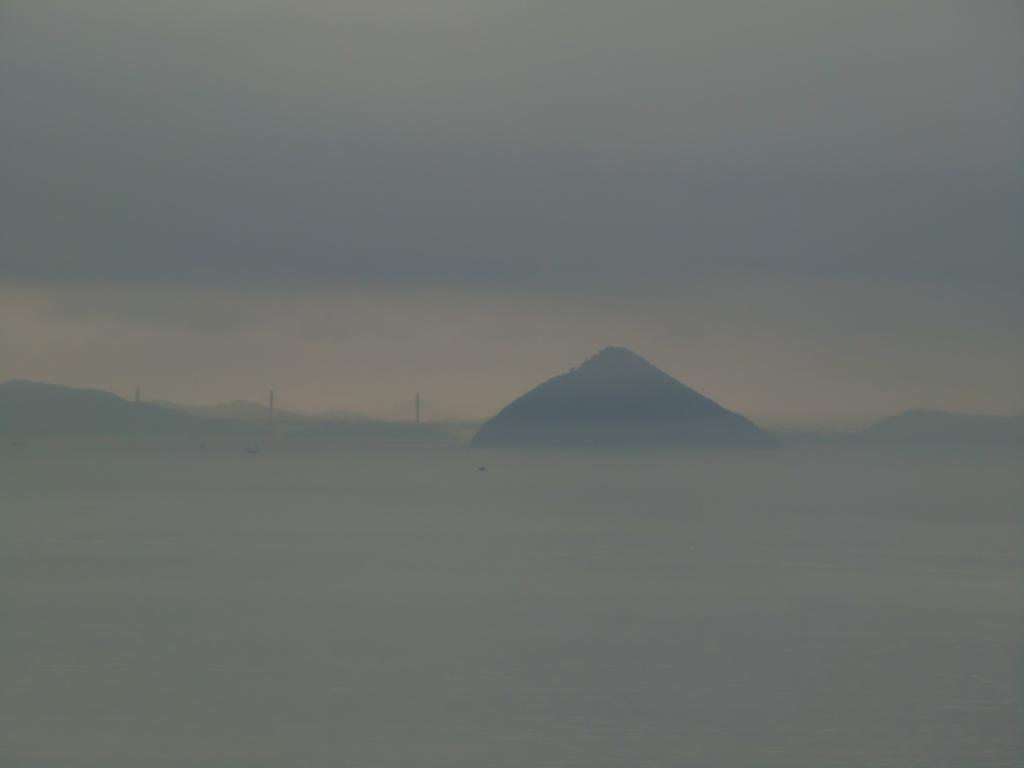 Ozuchishima dans la Brume