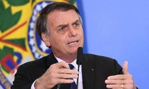 Bolsonaro: governo deve reavaliar todas as normas de saúde e segurança do trabalho, reduzindo-as em 90% Foto: AFP