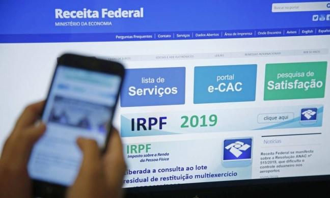 Declaração do Imposto de Renda Pessoa Física 2019 Foto: Thiago Freitas / Agência O Globo