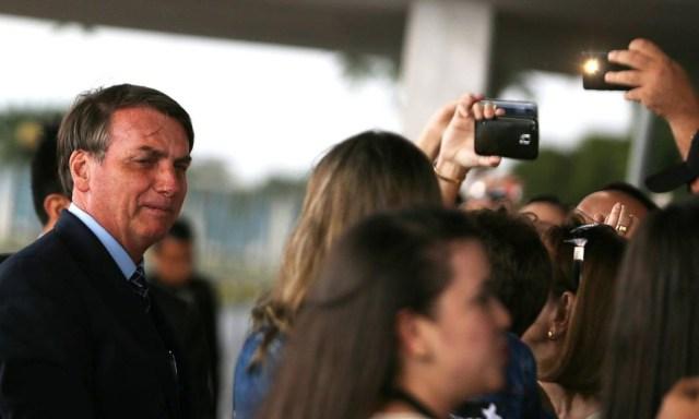 Bolsonaro disse que a Advocacia-Geral da União vai questionar a decisão no STF Foto: Jorge William / Agência O Globo