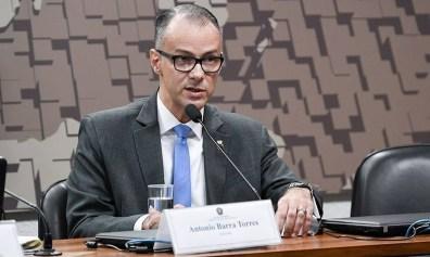 Alinhado a Bolsonaro, presidente da Anvisa anuncia que está com ...