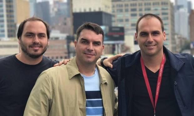 The brothers Carlos, Flávio and Eduardo Bolsonaro, sons of the President of the Republic, Jair Bolsonaro Photo: Reproduction