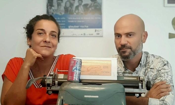 Fernanda Kalume e Ben-Hur Leal, produtores de um documentário sobre o criador do Guaraná Jesus Foto: Divulgação