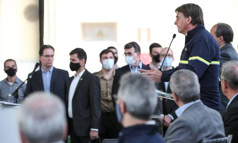 """""""Você é um otário"""", disse Bolsonaro a um repórter após ser questionado, durante cerimônia em Ipatinga (MG), em agosto de 2020, sobre os motivos que levaram a primeira-dama, Michelle Bolsonaro, a receber depósitos de Queiroz e da mulher dele, Márcia Foto: Marcos Correa / PR"""