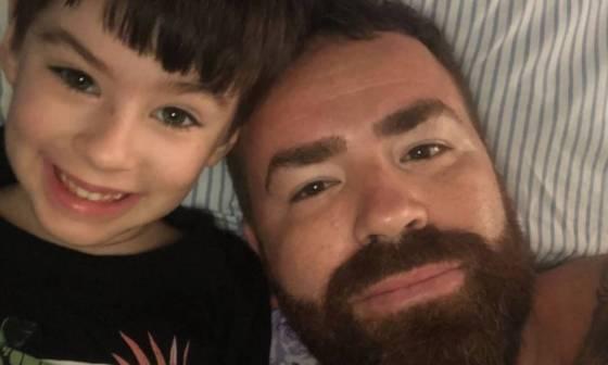 O pai de Henry, o engenheiro Leniel Borel de Almeida, que está separado da mãe do menino, publicou fotos e mensagens para o menino.  Ela diz que ainda espera respostas Foto: Reprodução / Instagram