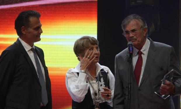 Tarcisio and Gloria are parents of Tarcisio Filho.  In the photo, the family celebrates the Extra Television Award in 2012 Photo: Urbano Erbiste / Urbano Erbiste / Extra