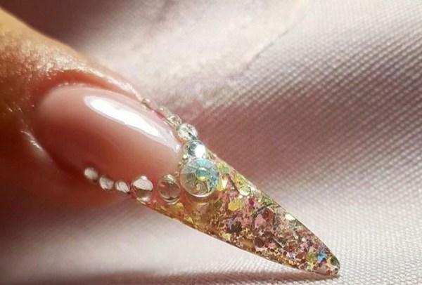 Tecaj za ugradnju noktiju