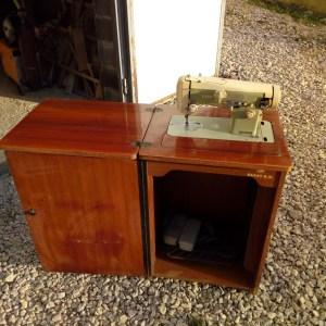 Mašina za šivenje šivaća BAGAT 515