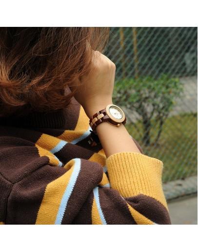 дървен дамски часовник