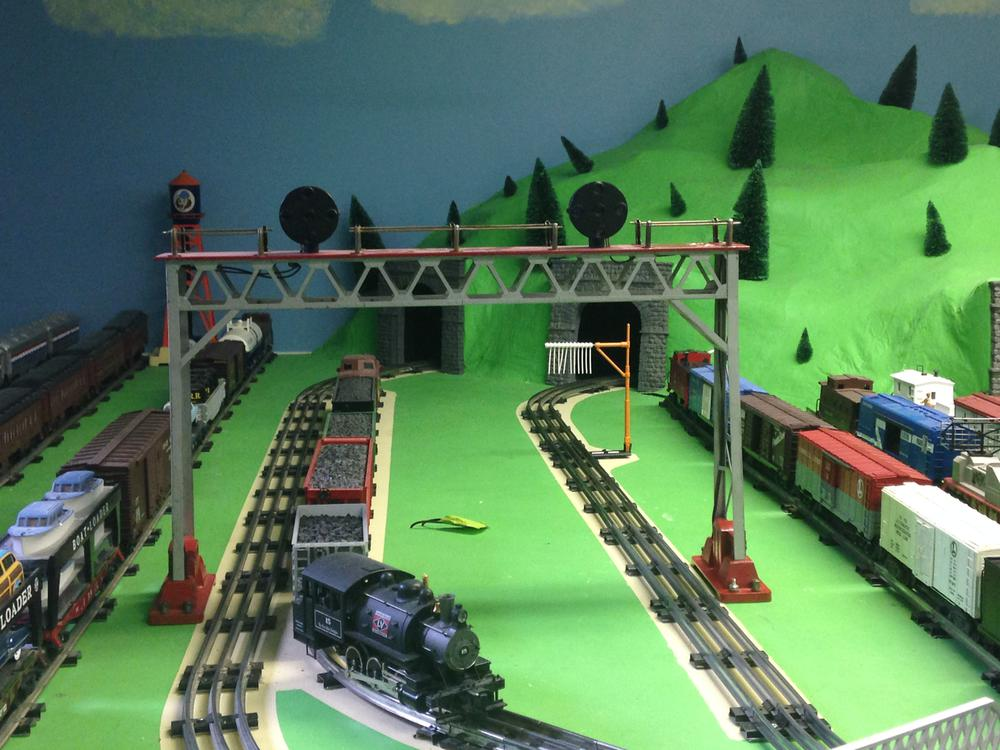 Lionel 440 Signal Bridge For O Gauge?