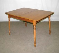 Small Extendable Kitchen Table - Image to u