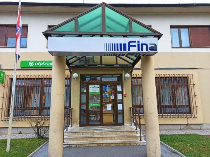 Fina - pad ovršenika