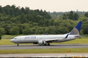 UNITED B737-800 (グアム→成田)