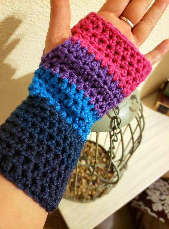 beginner crochet wrist warmer made with caron x pantone yarn