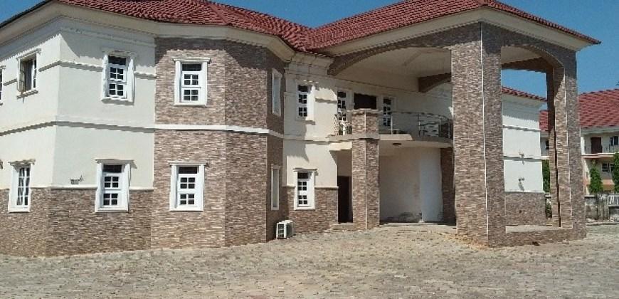 5-Bedroom Detached Duplex with 2 Rooms apartment