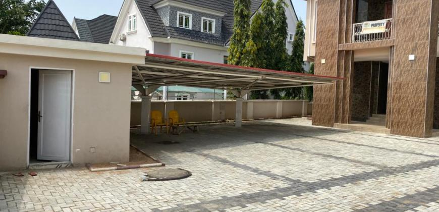 Executive 5 Bedroom Detached Duplex with 4 Rooms Boys' Quarter
