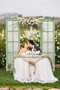 15 Romantic Wedding Sweetheart Table Decoration Ideas - Oh ...
