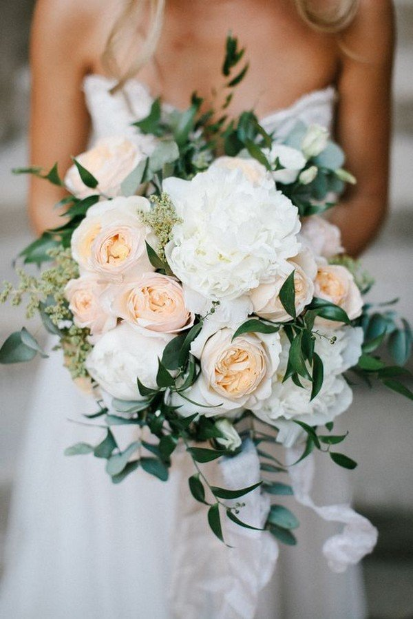 18 Charming Neutral Wedding Bouquets for 2018 Trends  Oh Best Day Ever