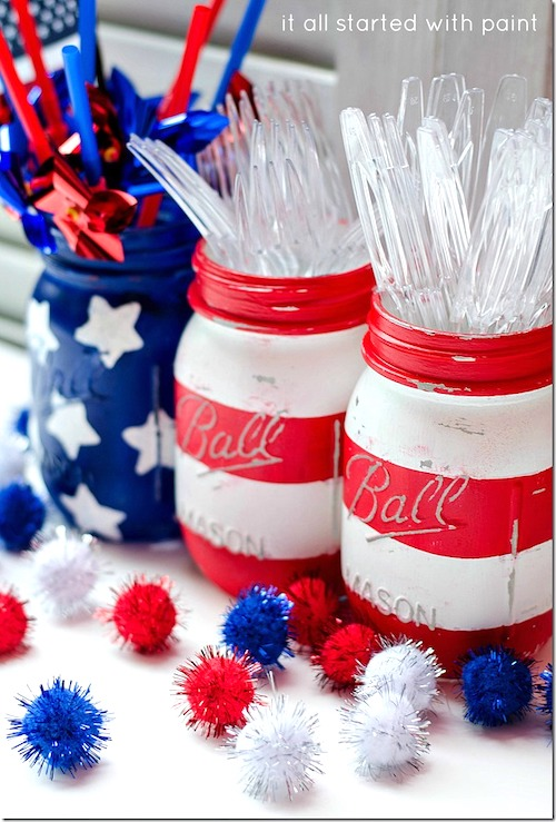 DIY Red White & Blue Mason Jars. 10 Easy 4th of July Crafts to Make in 2018. Fourth of July is the perfect time to do some DIY projects to celebrate America! Make your house look patriotic with these simple red white and blue crafts. You can find 4th of July wreaths, centrepieces, firecrackers and all other 4th of July decor here. Most of these 4th of July crafts can be made by kids and toddlers. 4th of July crafts kids, 4th of July Crafts DIY, 4th of July crafts preschoolers #4thofJuly