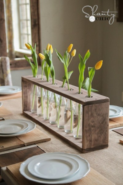 $10 DIY Wood & Glass Bottle Vase - DIY Rustic Farmhouse Decor Projects for Your Country Chic Cottage. Joanna Gaines would even be amazed at how easy these DIY farmhouse decor ideas are! Click to find out more today!