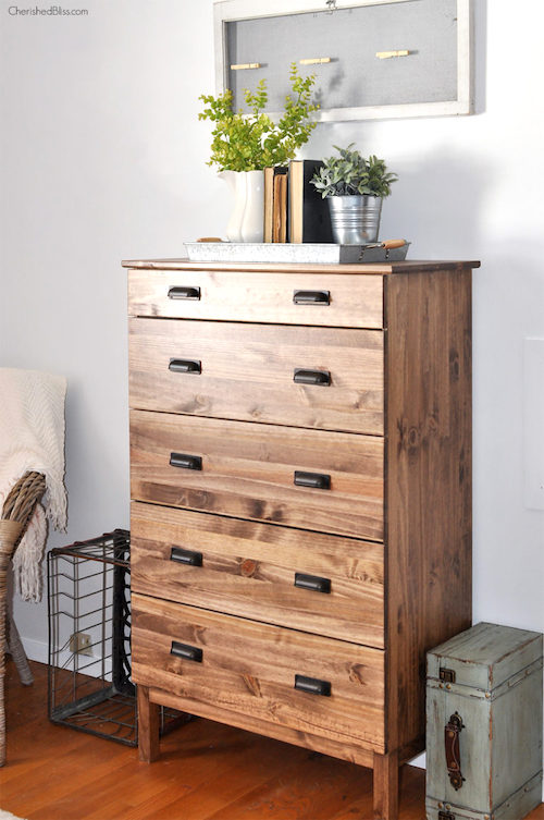Ikea Tarva Dresser Makeover - Here are the best Ikea farmhouse 2019 decor projects to easily makeover your furniture. These awesome farmhouse Ikea hacks will bring a rustic style to your living room, guest bedrooms, kitchen and bathroom. Including DIY projects to copy Pottery Barn items and many Ikea last dresser hacks.