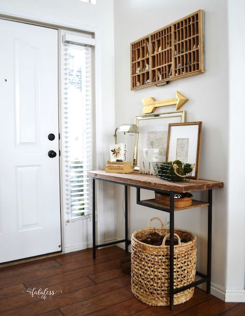 Ikea Farmhouse Entryway Table - DIY projects with a rustic fixer upper style to create easy ikea farmhouse furniture & decor. These budget friendly decor pieces and ikea hacks are so easy to create with just a few items. Try a Ikea farmhouse hack today to completely change the look of your bedroom, kitchen, entryway and living room.
