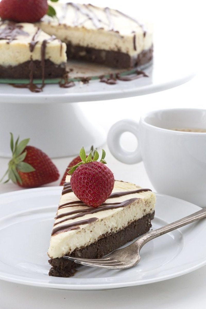 Keto & Low Carb Brownie Cheesecake | #ketorecipes #ketodiet #ketocheesecake #ketodessert #lowcarbdessert #ketosweets #lowcarbsweets