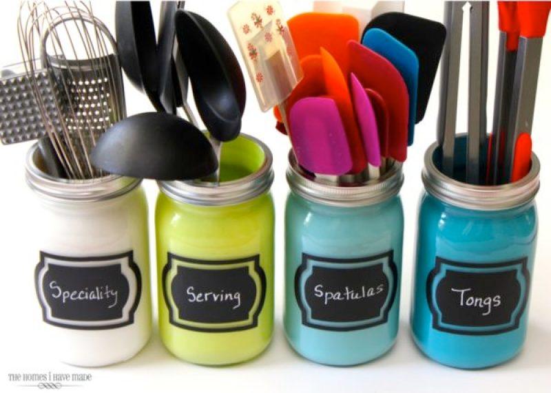 Mason Jar Kitchen Utensils Organizer - Incredibly Clever Mason Jar Organization Ideas. Organize your entire home using mason jars. #masonjars #masonjar #masonjarorganization #organization #diyhomedecorideas #masonjarcrafts