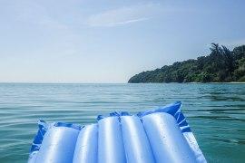 Att känna sig som äventyrare på Survivor Island (Pulau Tiga)
