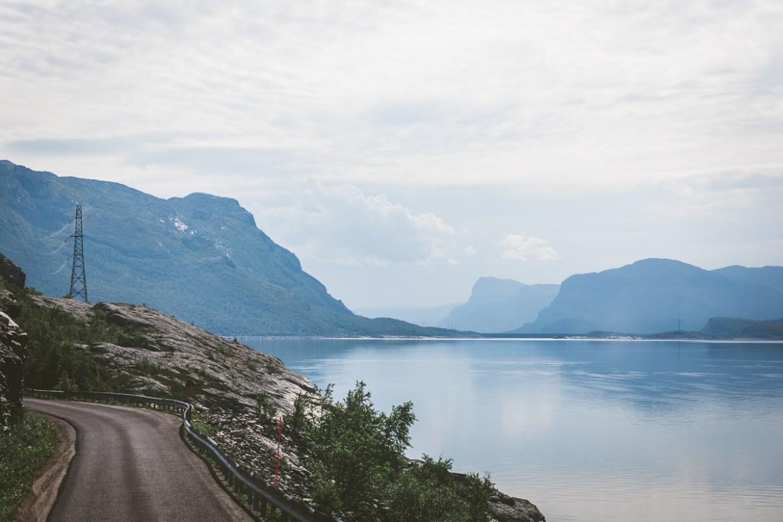 Vägen Västerut Lappland Sverige