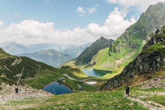 Upptäck Vorarlberg: paddla SUP i Kälberseesjön högt uppe i bergen