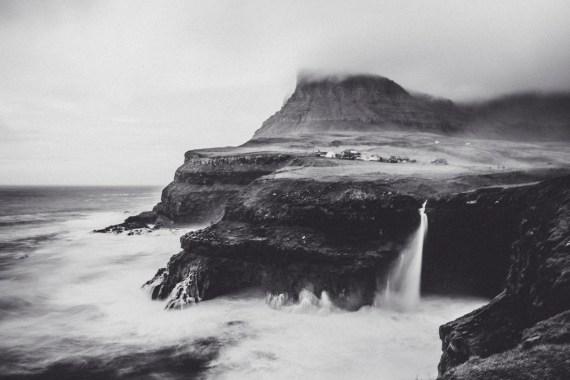 En berättelse om ett magiskt vattenfall med namnet Múlafossur vid byn Gasadalur på Färöarna