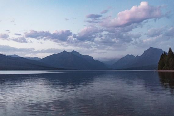 Tio bilder från nationalparken Glacier i Montana