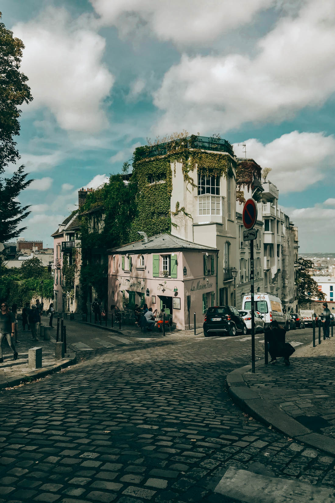 The Prettiest Morning in Montmartre (Paris)