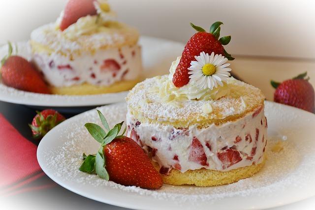甘いショートケーキ