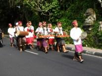 traditioneller balinesischer Festtagsumzug in Ubud