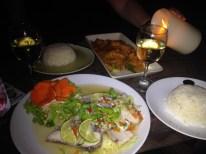 Geburtstags-Dinner am Strand mit frischem Fisch