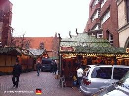 06-Weihnachtsmarkt-Marktkirche-Glüwein-Stand