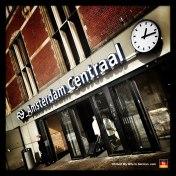 71-amsterdam-de-ruyerkade-central-station-entrance