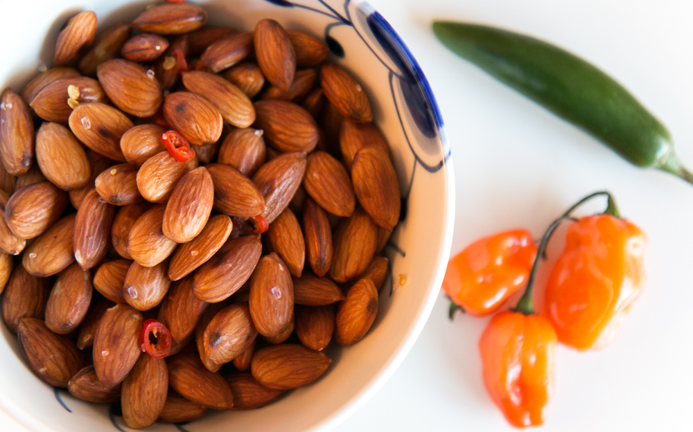 Chili Almonds
