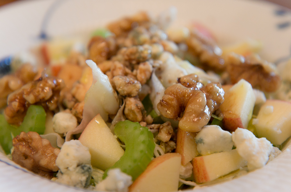 Salad with apples, celery, walnuts and blue cheese