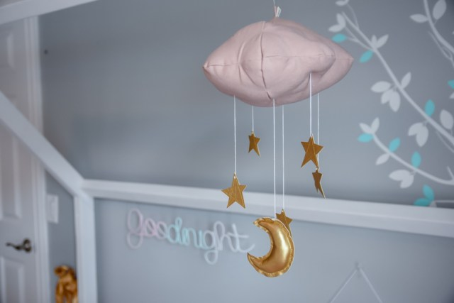 Oh Happy Play, a Florida mother blogger, shares her daughter Lola's Big Girl Room Tour. Check it out and see what you need to recreate this cute girls room!