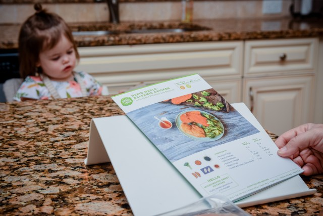 hello fresh, hellofresh, meal delivery service, grocery delivery, meal prep, healthy eating, easy recipes, fast and simple cooking, cooking for families