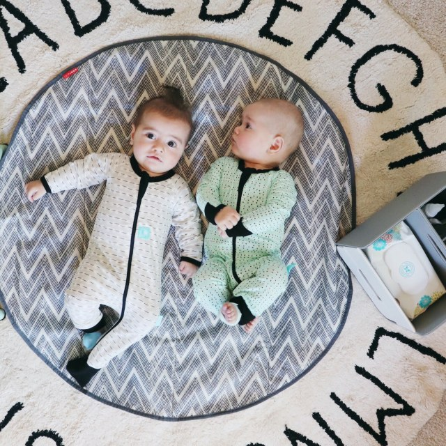bedtime routine twins, twin bedtime routine, twins routine, twins sleeping through the night, twin bedtime routine, routine for twins, twins sttn
