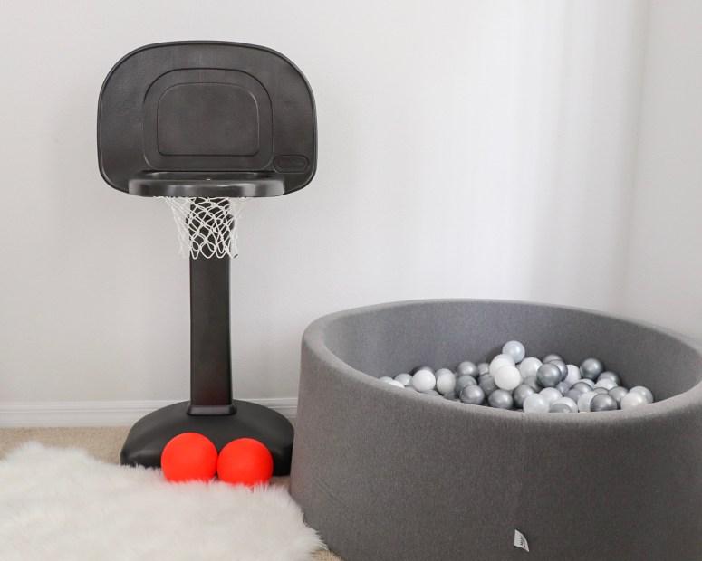 painted plastic toy, painted plastic basketball hoop, basketball hoop for toddlers, modern basketball hoop, modern toys, basketball hoop DIY, DIY for kids, spray painting plastic