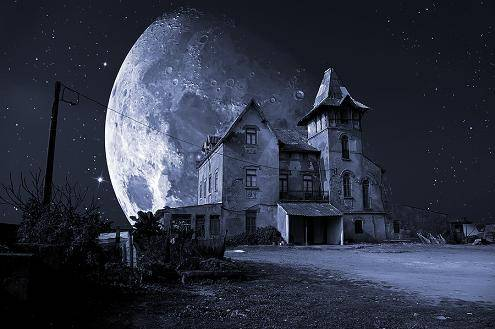 hauntedhousemoon1