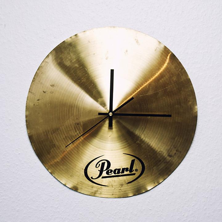 Horloge cymbale pearl